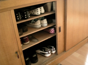 The shoe cupboard, or getabako.
